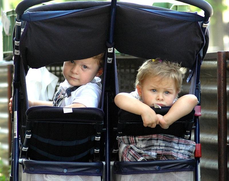 vežimėliai dvynukams